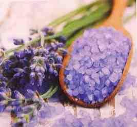 Levandule květ a levandulová sůl